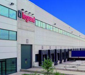 Legrand eliminará 192 empleos en España y prevé un ERE temporal