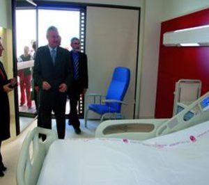 Murcia abrirá los nuevos hospitales de Cartagena y Mar Menor en 2010