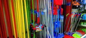 Lineal de Utensilios de limpieza: Las grandes marcas resisten al avance de la MDD
