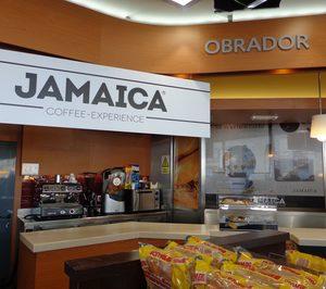 Una cadena de cafeterías se alía con un grupo petrolero para abrir en gasolineras