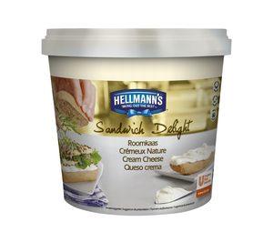 Unilever Foods Solutions lanza queso en crema Hellmann's