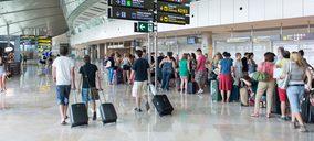 En agosto, España recibió la visita de más de 10 M de turistas internacionales, un 5,8% más anual