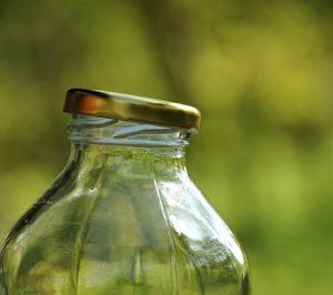 Los envases de vidrio, cada vez más ligeros y resistentes
