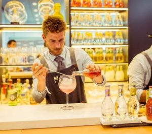Schweppes apuesta por la formación al bartender