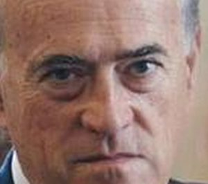 Baldomero Falcones ficha por Electro Stocks