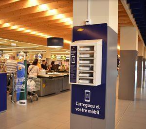 Bon Preu incorpora cargadores de móviles gratuitos en sus tiendas