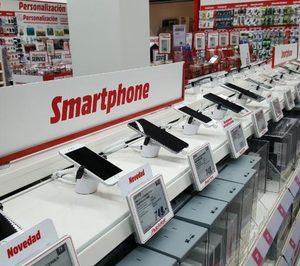 Los españoles gastan 150€ menos en telefonía desde 2010