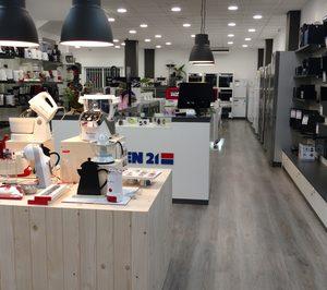 Tien 21 estrena una nueva tienda en Lalín