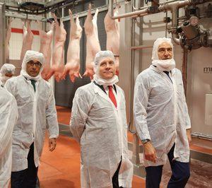 Incarlopsa invertirá 23 M en secaderos e inaugura ampliación del matadero