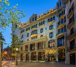 El hotel barcelonés Casa Fuster concluye la reforma de su fachada