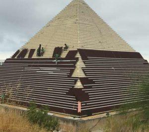Onduline rehabilita la Pirámide Keops de Terra Mítica