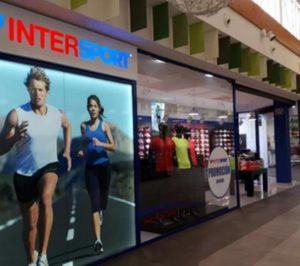 Intersport engrosa su red de tiendas propias