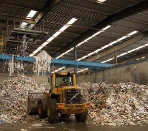 China pone nuevos límites a la entrada de desperdicios de papel