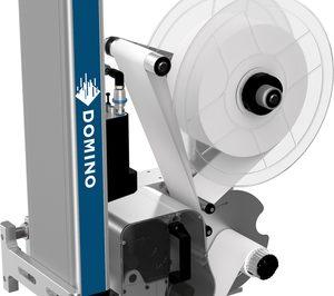 Domino potencia la etiquetadora M230i con un nuevo aplicador