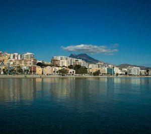 Villajoyosa subasta por segunda vez una parcela hotelera con una rebaja del 15%