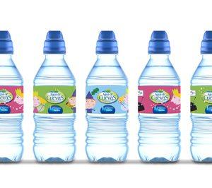 Agua de Cuevas presenta nuevos envases con Ben&Holly