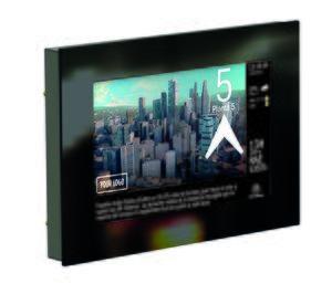 Thyssenkrupp digitaliza los ascensores con pantallas multimedia conectadas