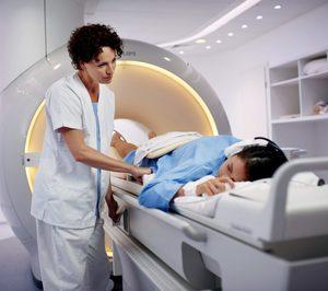 La Generalitat se prepara para recuperar el servicio de resonancias magnéticas