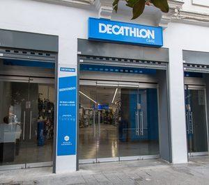 Decathlon lleva el gran formato al centro de Cádiz