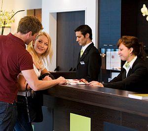 El coste laboral en hostelería aumentó un 0,8% en el cuarto trimestre de 2017