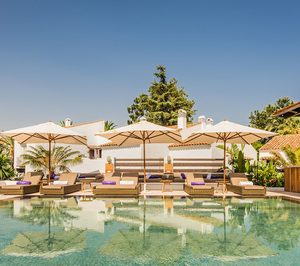 La cadena en la que participa Robert de Niro abre su hotel de Marbella