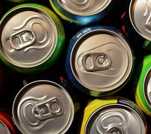 Los envases de refrescos son un 22% más ligeros que en 2000