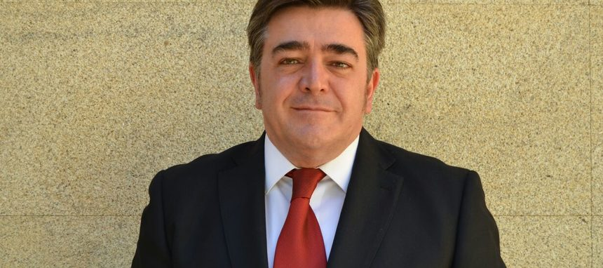 V33 España nombra director general