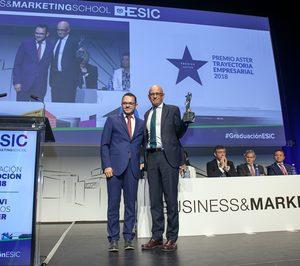 ESIC reconoce la trayectoria empresarial de Hinojosa