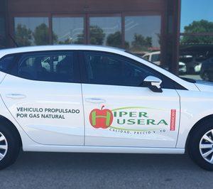 Híper Usera estrena flota de vehículos híbridos de gas natural de Seat