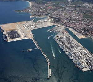 El puerto Bahía de Cádiz movió un 2% menos de mercancías en la primera mitad del año