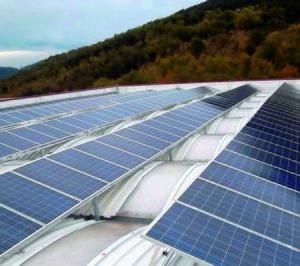 La UE abre la puerta a los paneles fotovoltaicos chinos