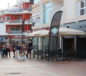 Starbucks abre en primera línea de playa
