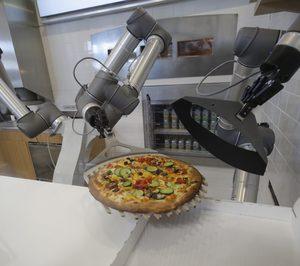 Universal Robots crea Pazzzi, un robot pizzero