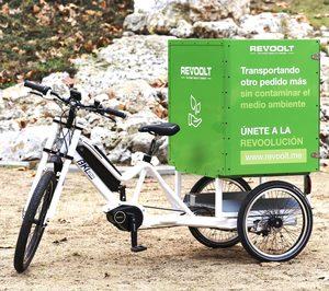 Revoolt incorpora triciclos eléctricos a su flota de reparto a domicilio
