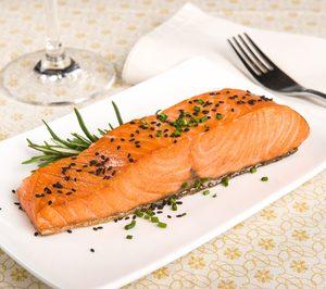 La volatilidad del salmón, gran problema para el sector de ahumados