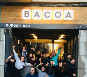 Bacoa realiza su primera apertura dentro de AmRest