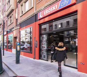 Eroski aumenta el número de tiendas pero reduce un 2,3% la sala de venta