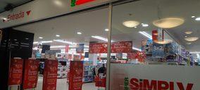 Auchan cierra una gran superficie de Supermercados Sabeco