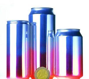 Las latas de bebidas aplastadas son igualmente reciclables
