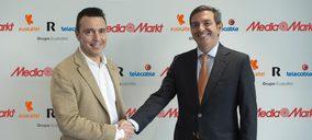 Euskaltel firma con MediaMarkt un acuerdo para vender en exclusiva su oferta con R