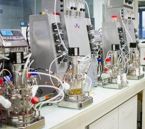 Schweppes impulsa la economía circular de sus envases plásticos