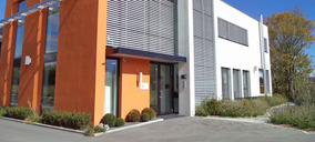 El grupo Cosmo Fragrance centraliza su producción en la fábrica de Granollers