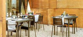 Maxchief Europe amplía su gama de mesas plegables para hostelería