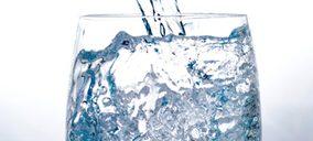 Un nuevo operador apuesta por el agua mineral en cartón complejo