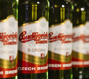 Hijos de Rivera coge la distribución de la checa Budvar