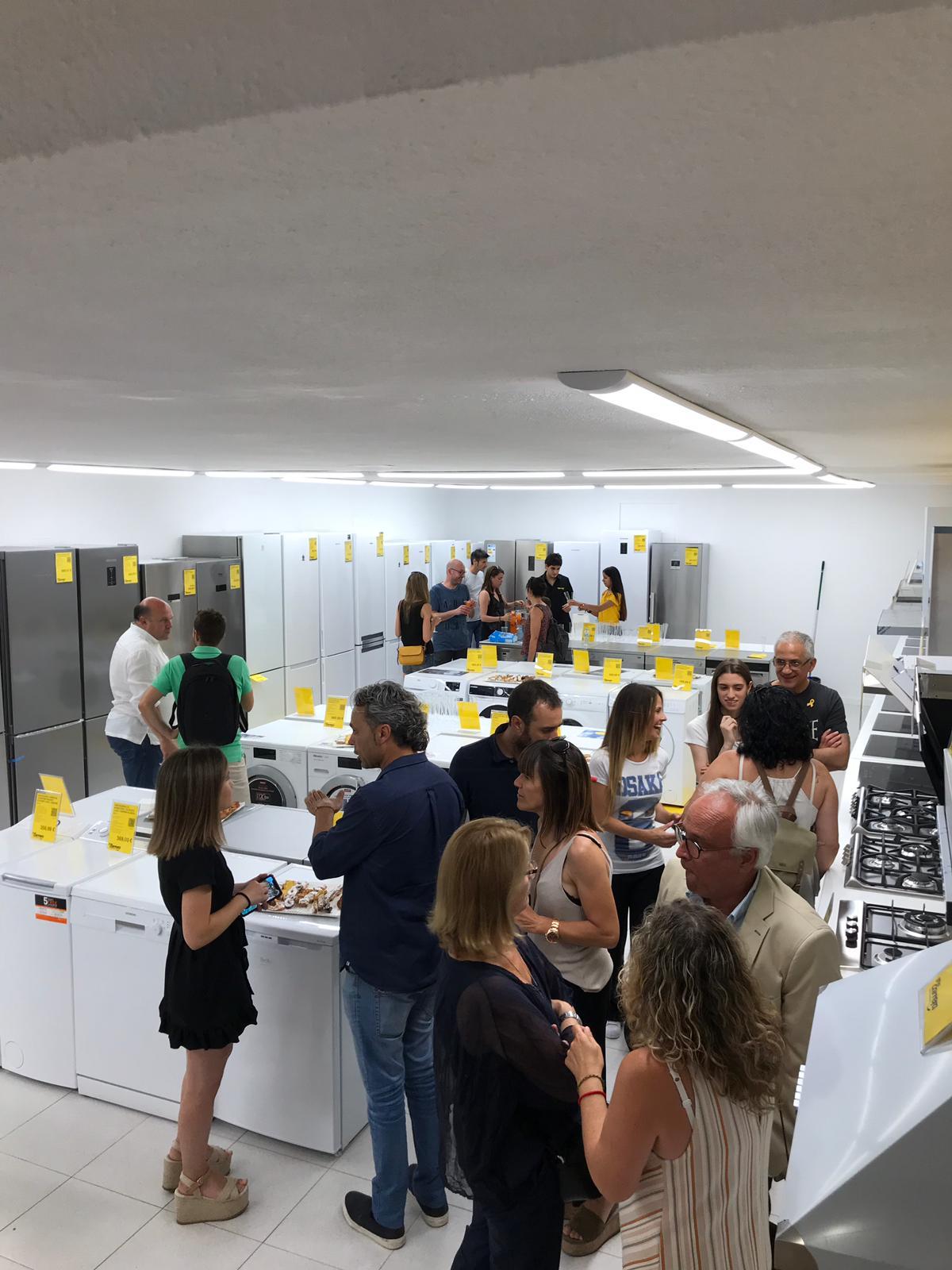 Grup Carrera reinaugura una de sus tiendas de Vic