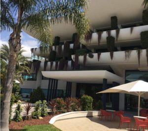 Solexin ha realizado un vierteaguas en la fachada del Hotel Deloix de Benidorm