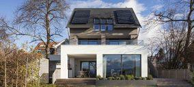 La instalación de paneles fotovoltaicos reduce la factura energética más de un 40%