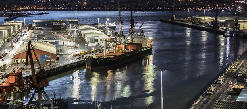 El Puerto de Bilbao luce la iluminación conectada de Signify