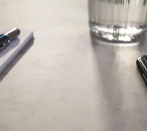 Formica lanza su nueva superficie ColorCore Compact